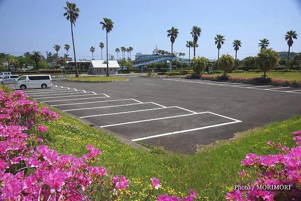 青島駅西側駐車場