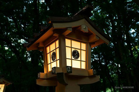 宮崎神宮 参道の灯篭 4