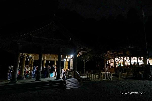狭野神社で神事