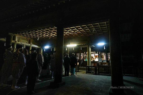 狭野神社での神事