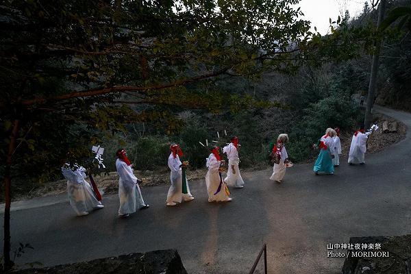 山中神社夜神楽 08