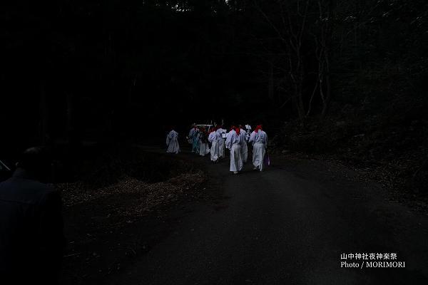 山中神社夜神楽 09