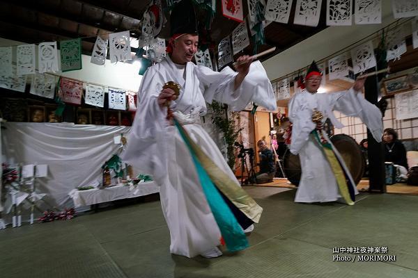 山中神社夜神楽(尾狩神楽)5番 杉登