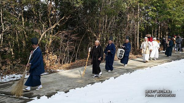 南川神楽(諸塚村)舞入れ 01