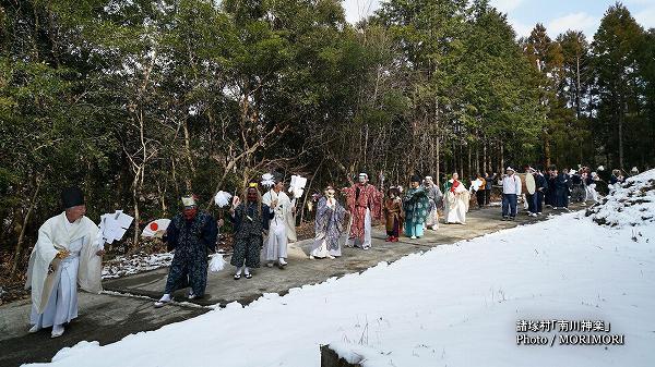 南川神楽(諸塚村)舞入れ 03