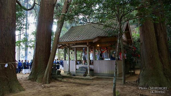 大人神楽(岩井川神社にて)