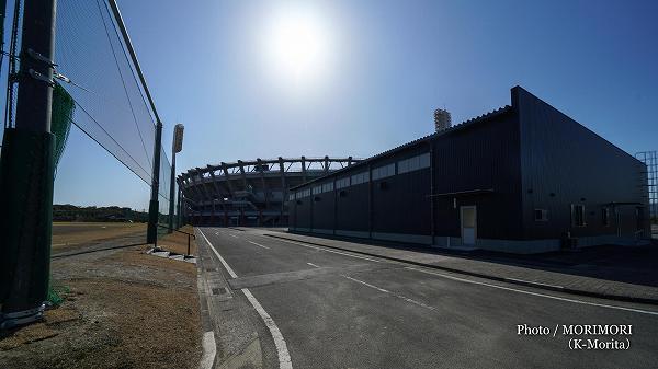 2019年1月完成新ブルペンと練習場(宮崎県総合運動公園サンマリンスタジアム横)