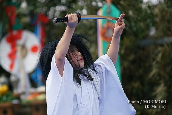 高屋神社神楽 「三人剣」