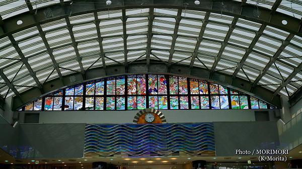 藤城清治さん作、日向神話のステンドグラス