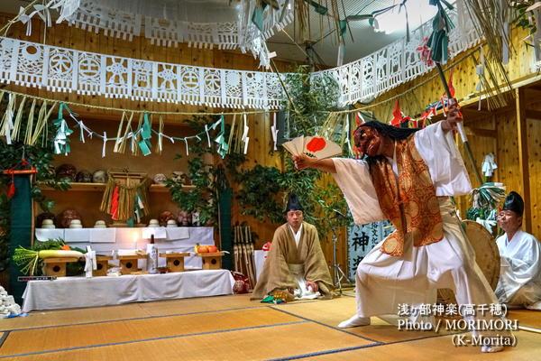 浅ヶ部神楽(高千穂の夜神楽)杉登り(入鬼神)