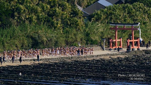 青島「裸まいり」
