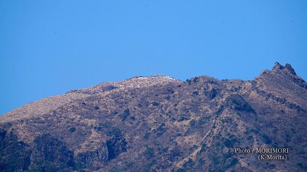 高千穂峰山頂付近(御池より望遠で撮影)