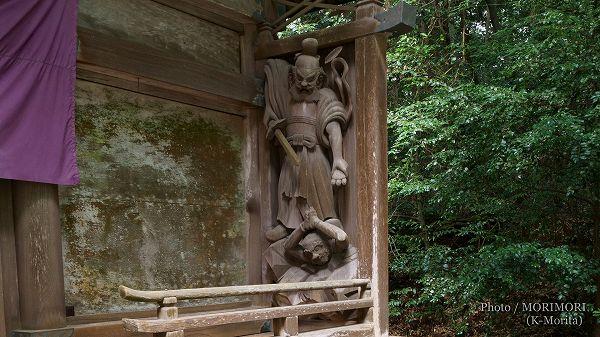 高千穂神社 本殿 回廊の彫刻 ミケヌノミコト