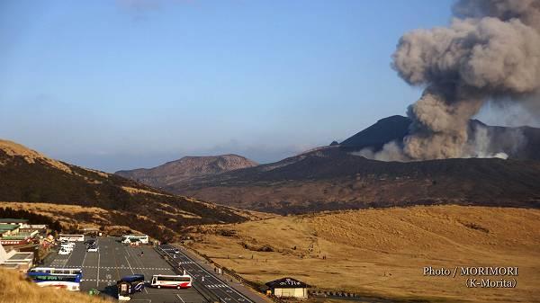 阿蘇山 噴火 2015年1月撮影
